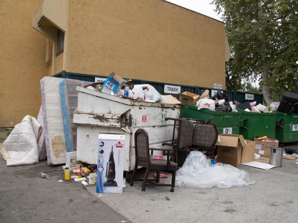 White trash moving